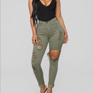 2 for $50 💕fashion nova ripped green jeans SIZE 5
